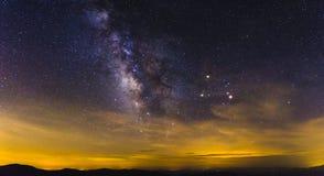 在蓝岭山脉的银河 免版税库存图片