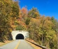 在蓝岭山行车通道的秋天 免版税库存图片