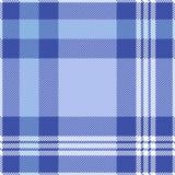 在蓝色和白色的无缝的格子呢样式 免版税库存图片