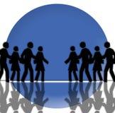 在蓝色圈子背景的黑色人群 图库摄影