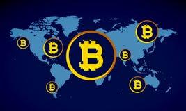 在蓝色地图的Bitcoins从上面 免版税库存图片