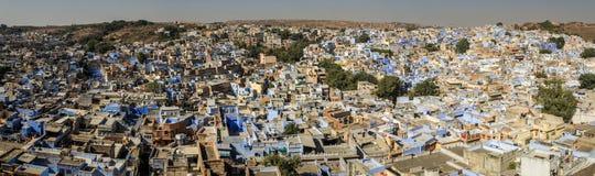 在蓝色城市的全景从Mehrangarh Mehran堡垒,乔德普尔城,拉贾斯坦,印度 库存图片