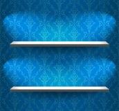 在蓝色墙壁上的架子 向量例证