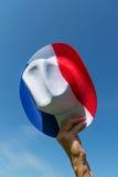 在蓝色白色的法国帽子和红色 免版税库存照片