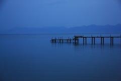 在蓝色的海军码头在黎明 库存照片