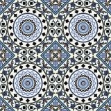 在蓝色的蔓藤花纹无缝的样式 库存图片