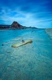 在蓝色的Summerleaze海滩 免版税库存图片