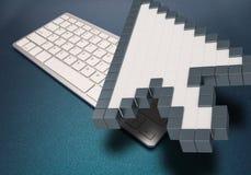 在蓝色背景的键盘 计算机标志 3d翻译 3d例证 免版税库存图片