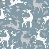 在蓝色背景的鹿用孔莓果和叶子 向量例证