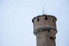 在蓝色背景的水塔 免版税库存图片