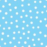 在蓝色背景驱散的白色圈子 简单的无缝的样式 用手画 库存照片