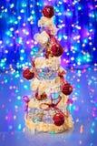 在蓝色装饰的新年度结构树 免版税库存图片