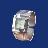 在蓝色隔绝的夫人手表 免版税库存图片