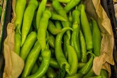 在蔬菜水果商部分-土耳其的甜椒 免版税库存图片