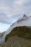 在薄雾的峭壁 库存图片
