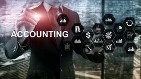 在虚屏上的会计、企业和财务概念 免版税库存图片