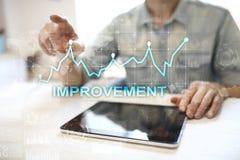 在虚屏上的改善图表 企业和技术概念 免版税图库摄影