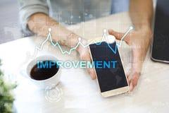 在虚屏上的改善图表 企业和技术概念 图库摄影