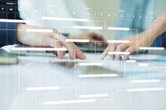 在虚屏上的项目管理图 计划 时间安排 免版税库存图片