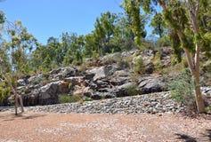 在蛇纹石,西澳州的自然岩石 免版税库存照片