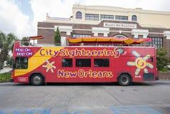在蛇麻草的蛇麻草城市观光旅游公共汽车,新奥尔良 库存图片