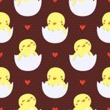 在蛋无缝的样式的逗人喜爱的小鸭子 免版税库存照片