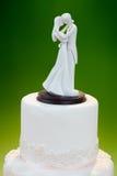 在蛋糕的婚礼装饰 免版税库存照片