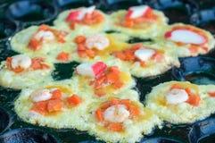 在蛋面团油煎的牡蛎 免版税图库摄影