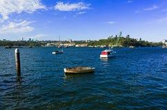 在蜗牛海湾的游艇在Birchgrove悉尼 免版税库存照片