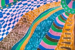 在蜡染布技术画的丝绸围巾的装饰 库存图片