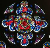 在蠕虫的彩色玻璃-耶稣基督在天堂 免版税图库摄影