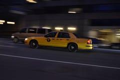 在行动的出租汽车在NYC 免版税库存图片