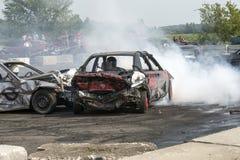 在行动的爆破汽车 免版税库存照片