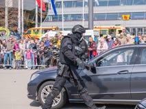 在行动的荷兰特警队 免版税图库摄影