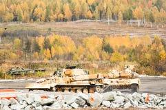 在行动的装甲的修理车BREM-1M 库存照片