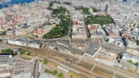 在行动的Tiltshift微型中央火车站老里加市timelapse路汽车通行桥梁寄生虫Timelapse 影视素材