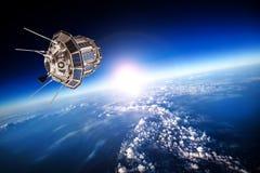 在行星地球的空间卫星 免版税库存图片