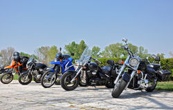 在行的摩托车 免版税库存照片