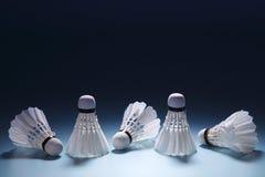 在行的羽毛球shuttlecocks 免版税库存图片