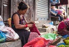 在街市上的妇女 库存照片