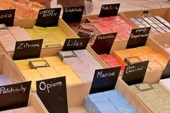 在街市上的法国肥皂 免版税库存照片