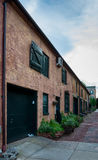 在街市弗雷德里克,马里兰的老砖瓦房 免版税库存照片