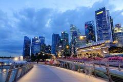 在街市的现代大厦在新加坡 免版税库存图片