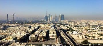 在街市的迪拜视图2015年 图库摄影