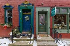 在街市约克, Pennsylva存放前面和公寓 免版税库存照片