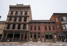 在街市约克, Pennsylva存放前面和公寓 库存照片