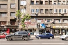 在街市罗马正方形的高峰时间交通 免版税库存图片