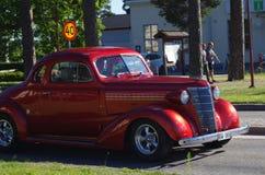 在街市Rättvik的老朋友汽车, 30 06 2018年 免版税库存图片