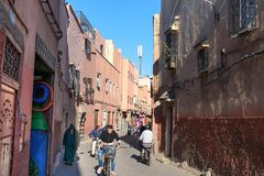 在街道上在麦地那 马拉喀什 摩洛哥 库存图片