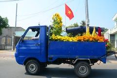 在街道上的一辆卡车在越南南方 免版税库存照片